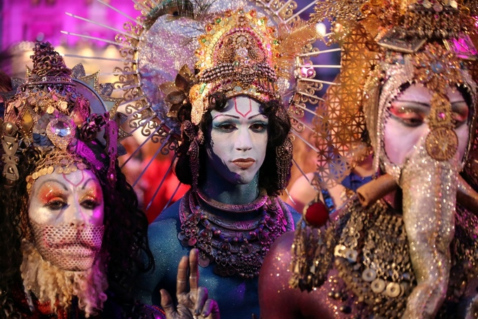 Những trang phục lễ hội kỳ quái nhất thế giới