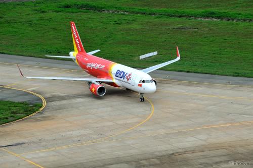 tinhte-vn-Vietjet-Air-A320-Sha-4965-3110