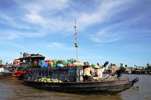 Tra On floating market - Mekong Delta