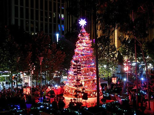 Melbourne-Christmas-tree.jpg