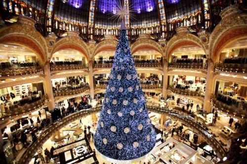 Paris-Christmas-tree.jpg