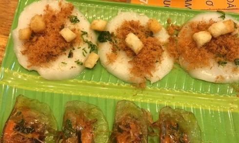 Thưởng thức bánh bèo chén ngay tại Sài Gòn