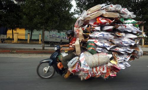 'Người Việt chở hàng mã' vào top bức ảnh kỳ lạ năm 2014
