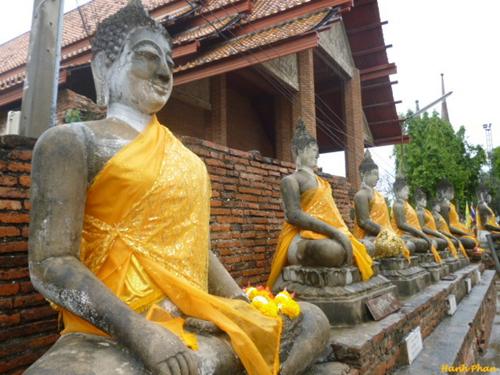 Chua-Yai-Chaimongkhon-co-nhung-4049-1682