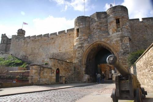 Lincoln-castle-660x441-2427-1421034733.j