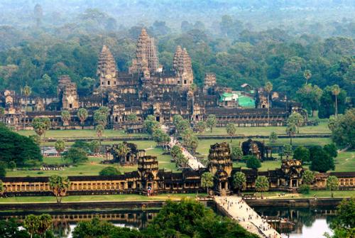 Khu quần thể Angkor Wat soi luôn hấp dẫn du khách khắp nơi trên thế giới. Ảnh: wikipedia