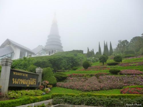 Cac-toa-thap-o-Chiang-Mai-luc-an-luc-hie