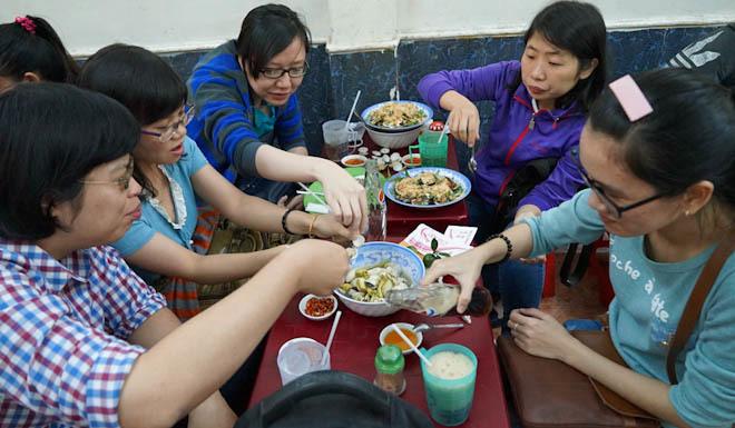 Quán ốc tô giá rẻ ở Sài Gòn
