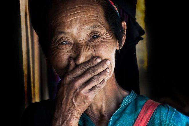 Nụ cười Việt Nam trên báo nước ngoài