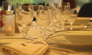 Đại sứ Poirier chia sẻ về cách dùng tiệc kiểu Pháp