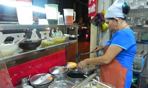 Tiệm chè 'cha truyền con nối' 30 năm ở Sài Gòn