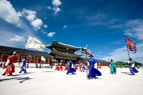 KTO 1382 1427361000 Khám phá những thiên đường mua sắm cuối năm tại Châu Á