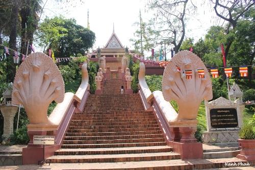Hinh 1 Chua Wat Phnom JPG 2854 1428288943 Khám phá những thiên đường mua sắm cuối năm tại Châu Á