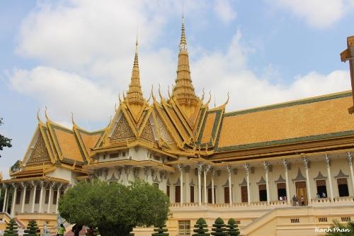 Hinh 3 Cung dien Hoang gia Cam 7063 4711 1428288945 Khám phá những thiên đường mua sắm cuối năm tại Châu Á