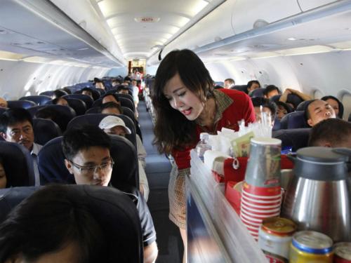 flight attendant 27 2437 1429417794 Khám phá những thiên đường mua sắm cuối năm tại Châu Á