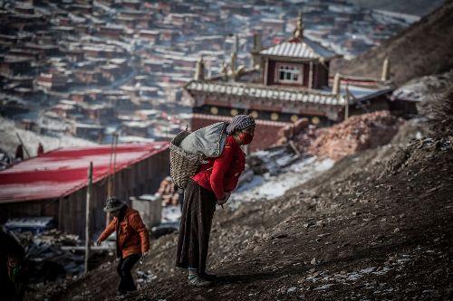Vùng đất thiêng tập trung 40000 nhà sư - 2