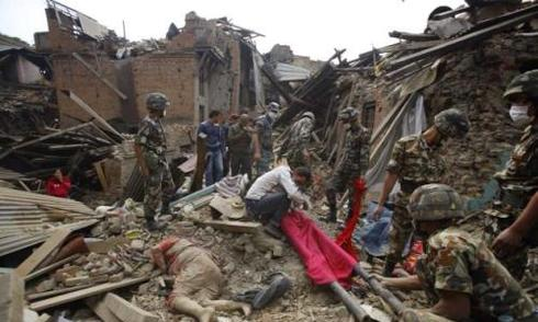Du khách Việt ở Nepal: 'Mọi người đứng chết trân khi mặt đất rung chuyển'