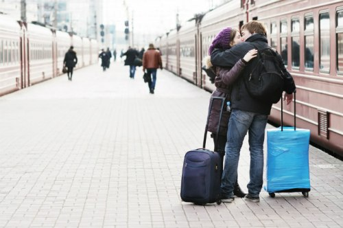 France-Train-Kiss-700.jpg