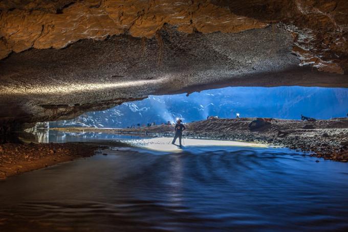 Vẻ đẹp của hang Sơn Đoòng trên báo nước ngoài