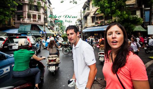 Khách nước ngoài chia sẻ bí quyết hay khi đến Việt Nam