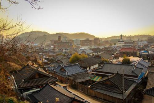 jeonju-hanok-village-flickr_1432785960.j