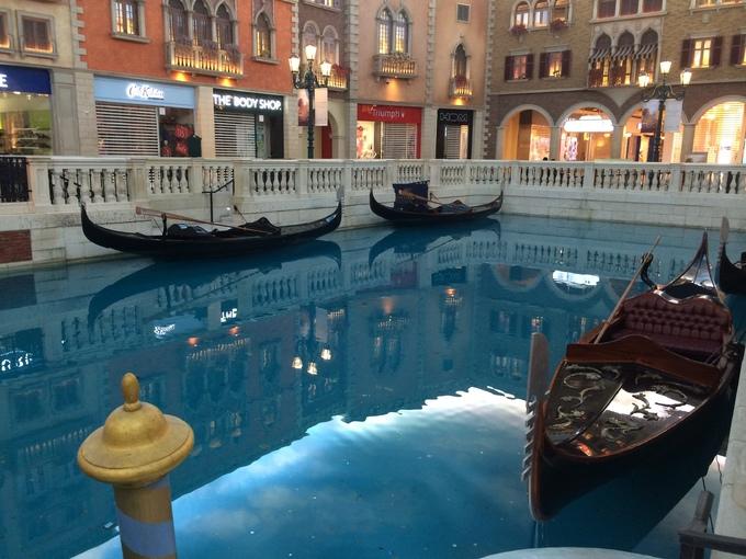 Dòng sông Venice trong lòng khách sạn ở Macau