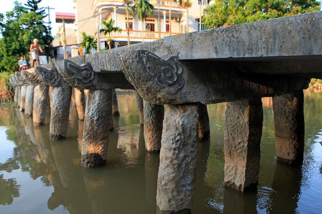 Ngôi chùa nổi tiếng với những pho tượng đất nung