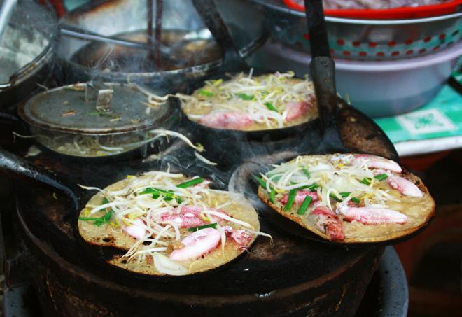 Bữa sáng đúng chất phố biển Nha Trang