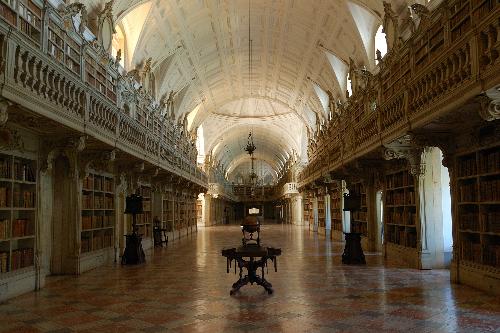 MafraPalace-Library_1438163026.jpg