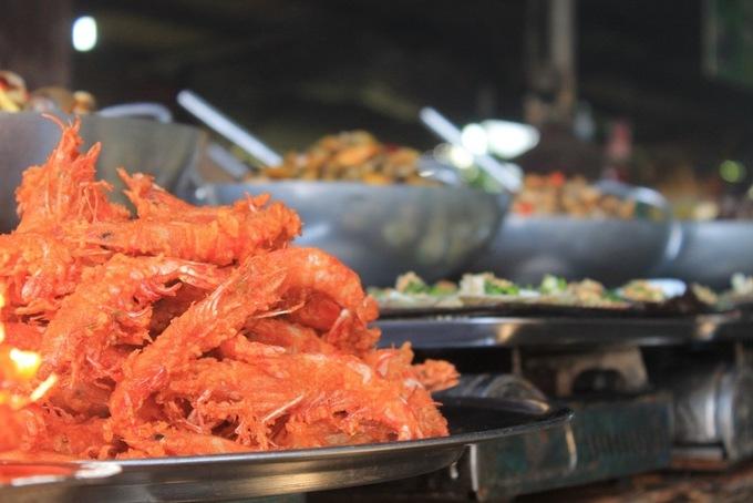 Chợ hải sản 'ăn liền' nổi tiếng ở Cần Giờ