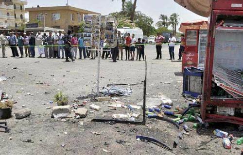 Hiện trường vụ nổ bom bên ngoài đền Karnak. Ảnh:rajasthannews
