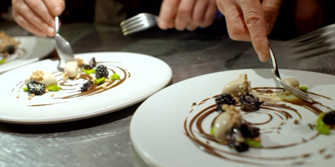 anthony bourdain ate an insane foraged feast at noma the best restaurant in the world photos 1440495004 660x0 Sơn Đoòng đứng đầu điểm đến mới của thế kỷ 21
