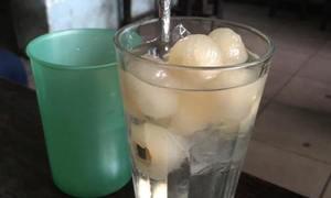 Nhãn lồng sen - món giải khát mát lạnh ở Hà Nội
