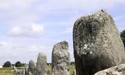 Bí ẩn đoàn quân hóa đá bên bờ biển Pháp
