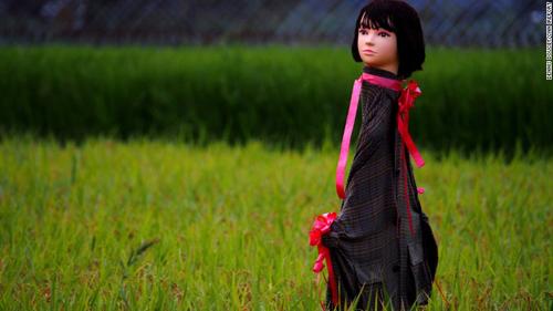 150918121052-japan-scarecrow-1-exlarge-1
