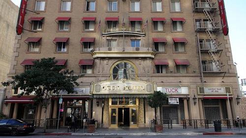 chuoi-phim-kinh-di-co-that-o-cecil-hotel-my