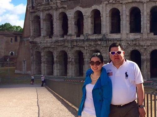 Bà Rebecca chia sẻ rằng bà đặt tên cho tài khoản Instagram của mình là Dating Mr. Michelin, để đăng tải hình ảnh những món ăn bà cùng chồng có dịp thử tại chuỗi nhà hàng Michelin. Trang cá nhân này dành tặng cho chồng bà, người đôi khi còn đam mê ẩm thực nhiều hợn tình yêu dành cho vợ mình.