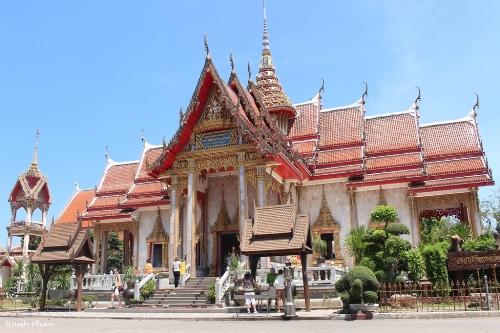 tieng-phao-cau-may-o-ngoi-chua-lon-nhat-phuket-1