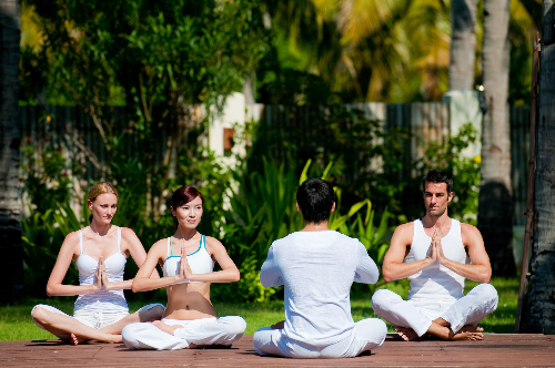 yoga-ket-hop-du-lich-nghi-duong-5-sao-1