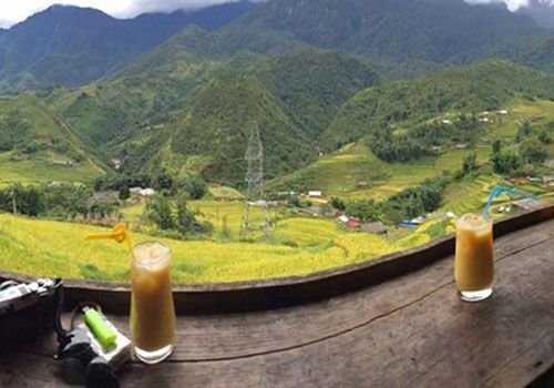 quan-cafe-so-huu-goc-view-dep-o-pho-nui-sa-pa