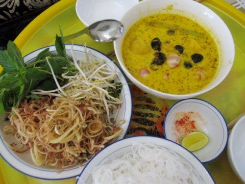 huong-dong-que-trong-mon-ca-ri-oc-buou-1