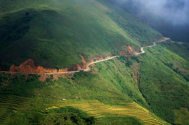 Phượt thủ chạm tay vào mây ở Háng Đồng