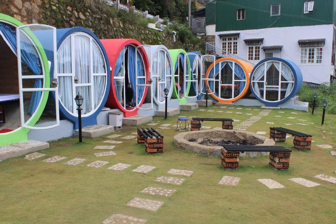 Nhà nghỉ ống cống đầy màu sắc ở Đà Lạt