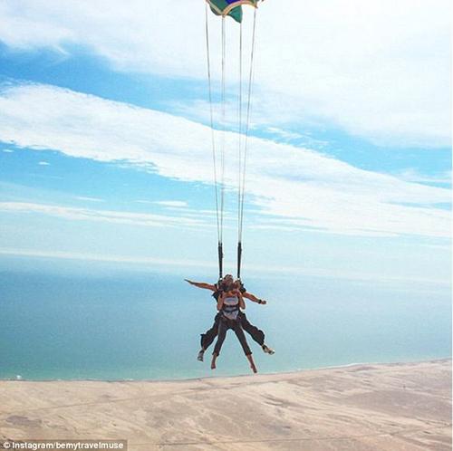 Trải nghiệm bay ở Namibia.