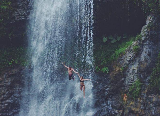 Đôi tình nhân du lịch khiến cả thế giới phải ghen tị
