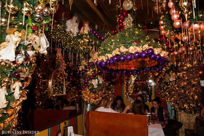 Quán bar chi 60.000 USD chỉ để trang trí Giáng sinh