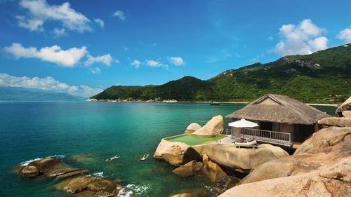 Hầu hết các resort đều được bố trí sát biển, tạo sự gần gũi cho du khách và thiên nhiên. Ảnh: sixsense.