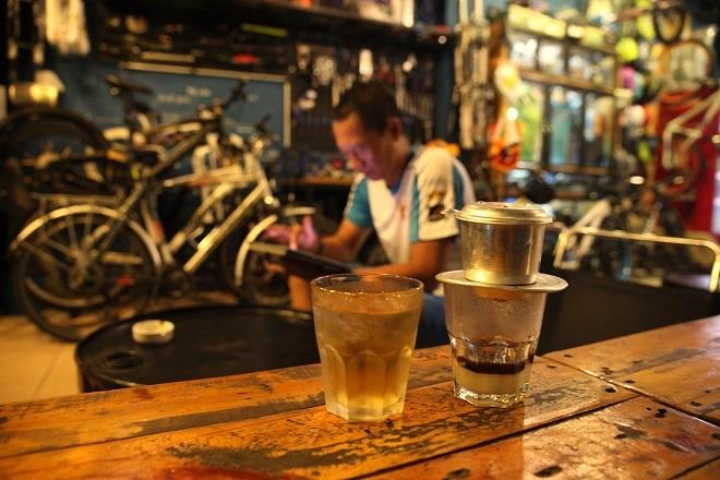 Sài Gòn qua ly cà phê sữa đá