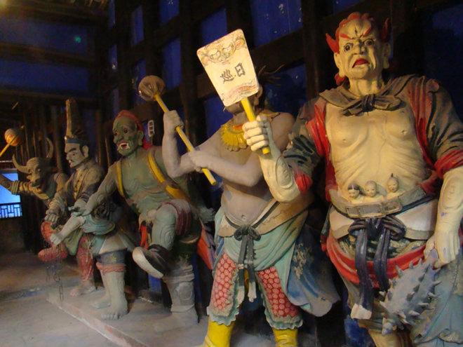Thành phố ma 2000 năm tuổi ở Trung Quốc