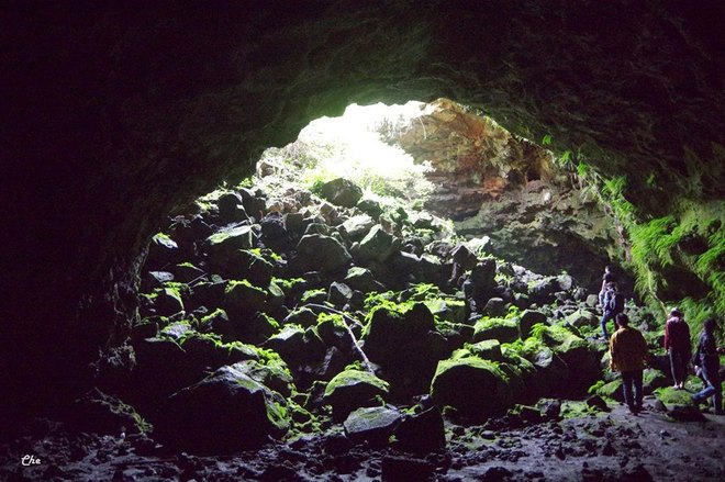Dak Nong's largest volcanic cavern in pictures